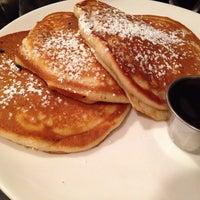 Photo taken at Stella's Restaurant, Bar, & Café by Hye Ri Anna L. on 3/15/2014