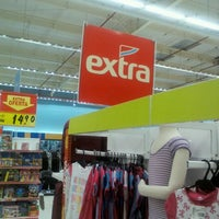 Photo taken at Extra by Marcelo A. on 1/6/2013