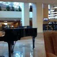 Photo taken at Crystal Gateway Marriott by Bob E. on 11/12/2012