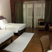 Photo taken at Dheva Mantra Resort & Spa (เทวมันตร์ทรา) by Jacky A. on 9/19/2012