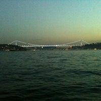 Photo taken at İskele Cafe & İzmir Lokmacısı by Sena K. on 10/14/2012