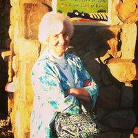Photo taken at Olive Garden by Daryl G. on 4/13/2013