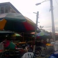 Photo taken at Pasar Pekan Ampang by احمد كردي 🌸 on 12/6/2013