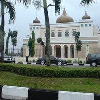 Photo taken at Mesjid Kantor Gubernur Prov.Riau by Vino O. on 3/1/2013