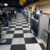 Foto tirada no(a) Check-in LATAM por mathias c. em 10/30/2013