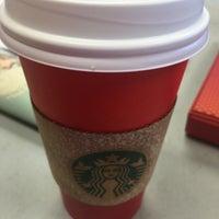 Photo taken at Starbucks by Yasser A. on 11/2/2015