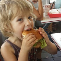 Photo taken at In-N-Out Burger by Melodee G. on 7/27/2014