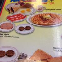 Photo taken at Waffle House by Jorge R. M. on 3/15/2014