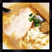 Photo taken at RAMEN MOSH by ジョナサンJr. on 5/17/2015