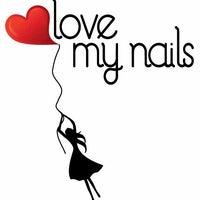 Photo taken at Love my Nails by Outra Visão Comunicação on 4/16/2013