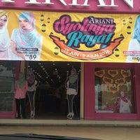 Photo taken at Ariani Boutique ( Scarf & Shawl ) by wanShah on 6/22/2016