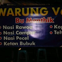 Photo taken at Warung V-68 Bu Menthik by Muchamad Arifin on 2/12/2013