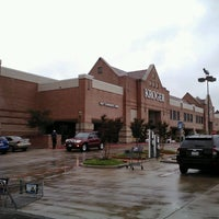 Photo taken at Kroger by Supote M. on 10/14/2013
