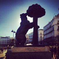 Photo taken at Estatua del Oso y el Madroño by Arqui on 8/10/2013