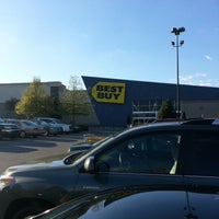 Photo taken at Best Buy by Cristian L. on 10/28/2012