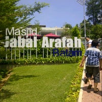 Photo taken at Masjid Jabal Arafah by Luthfi A. on 10/26/2012