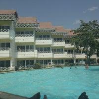 Photo taken at Hotel Las Américas Resort by Lau R. on 3/30/2013