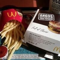 Photo taken at McDonald's by Yahagi on 1/19/2012
