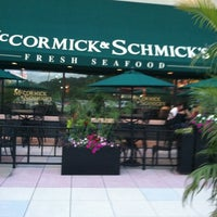 Photo taken at McCormick & Schmicks Seafood Restaurant by Rhonda M. on 6/11/2012
