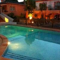 Photo taken at Costa D'Oiro Ambiance Village Hotel Lagos (Portugal) by Antonio C. on 4/16/2011