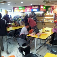 Photo taken at Restoran Hameed's by Norimah H. on 6/25/2012