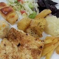 Photo taken at Restaurante Q.Luxo by Letícia K. on 7/26/2012