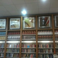 Photo taken at Livrarias Curitiba by Marcelo A. on 11/6/2012