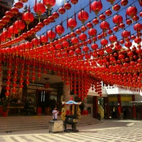 Photo taken at Thean Hou Temple (天后宫) by Nik M. on 2/7/2013