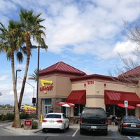 Photo taken at In-N-Out Burger by Jeremy S. on 3/9/2013