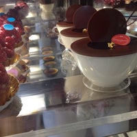 Photo taken at Gateaux Maison by Claudia S. on 5/16/2013
