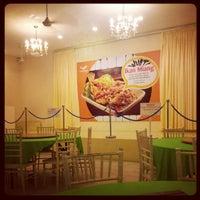 Photo taken at Restoran Muhibbah Seafood by Bee S. on 11/19/2012