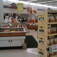 Photo taken at Hy-Vee by RANDY T. on 4/10/2013