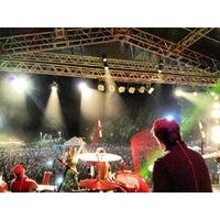Photo taken at Vila Olímpica by Larissa R. on 2/22/2014