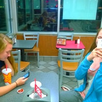 Photo taken at Hardee's by Alonda H. on 11/24/2014