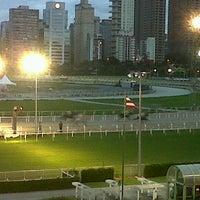 Foto tirada no(a) Jockey Club de São Paulo por Evelyn F. em 12/17/2012