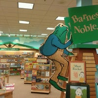Photo taken at Barnes & Noble by Brandon H. on 7/3/2013