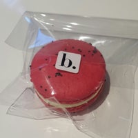 Photo taken at Bisous Ciao Macarons by Nazary N. on 8/15/2013