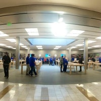 Photo taken at Apple Bellevue Square by Javier V. on 2/12/2013