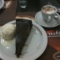 Photo taken at O Melhor Bolo de Chocolate do Mundo by Deborah on 7/17/2013