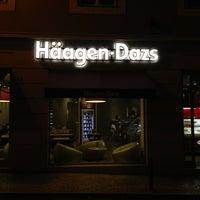 Photo taken at Häagen-Dazs by Eddie Pipocas on 2/28/2013
