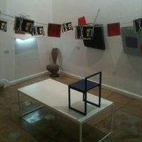 Photo taken at Galería Mexicana de Diseño by Foarm on 10/24/2012