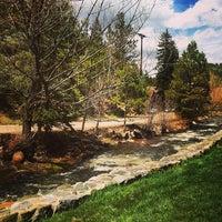 Photo taken at Highland Haven Creekside Inn by Leonardo C. on 4/26/2014