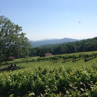 Photo taken at Fox Meadow Winery by Yosef Y. on 6/22/2013