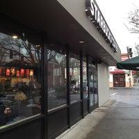 Photo taken at Starbucks by Elliot C. on 12/14/2012