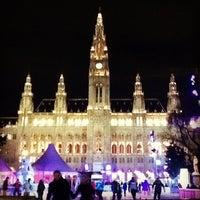 Das Foto wurde bei Rathausplatz von V am 1/28/2013 aufgenommen
