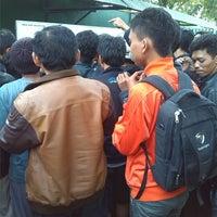 Photo taken at Pengadilan Negeri Kelas IA Bale Bandung by Galuh P. on 12/13/2013