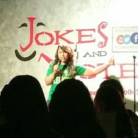 Photo taken at Jokes And Notes Comedy Club by Leslie D. on 7/11/2015