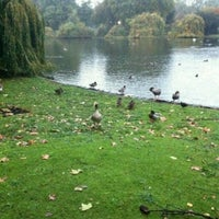 Photo taken at St James's Park by p' I€¥ 💗💋💛💋💜💋 on 10/26/2012
