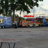 Photo taken at Tropical Park Food Trucks by Blueye on 6/25/2016
