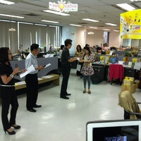 Photo taken at YellowPages (Sales) Vanit Building by Ittichai W. on 2/18/2013